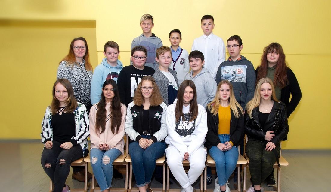 Volksschule Lindenfeld Judenburg - Klassenfoto Klasse 4a